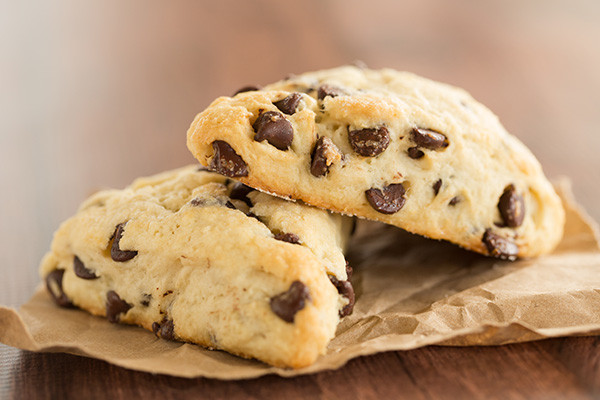 chocolate-chip-scones-10-600-600x400